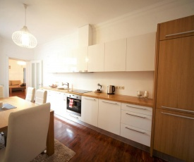 Great apartment near by park