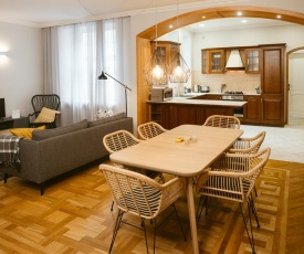 Spacious apartment with two bathrooms
