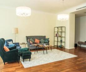 Superior Art Nouveau District Apartment
